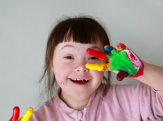stock-photo-60783838-portrait-of-little-girl-with-painted-hands